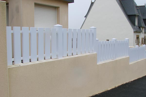 Barreaudage vertical pvc blanc