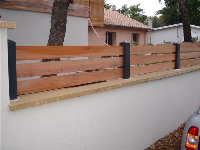 cl tures b ton ou alu claustras en bois acier pvc. Black Bedroom Furniture Sets. Home Design Ideas