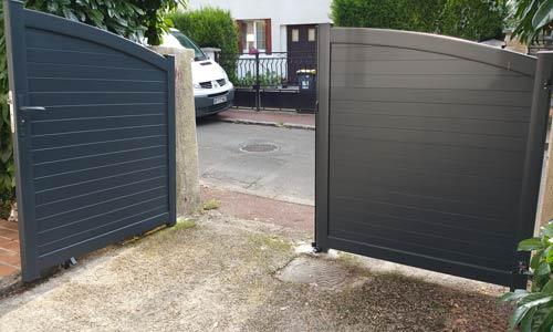 Portail 2 vantaux aluminium contre gris anthracite 1