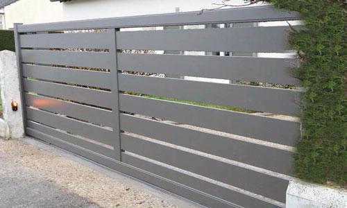 Portail coulissant aluminium lames horizontales ajourées - Oise 4