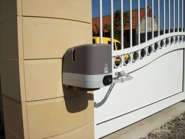 Automatisme bras articulé - petit portail - Kit Virgo BFT - A2P TUQUET