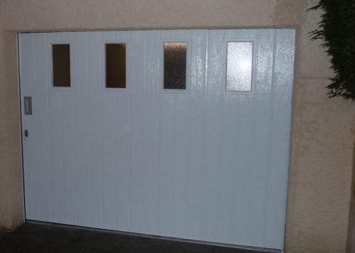 Porte de garage avec hublots 60240 montjavoult oise