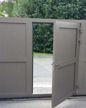 Portillon alu integré portail coulissant motorisé - Viller sur Trie Oise