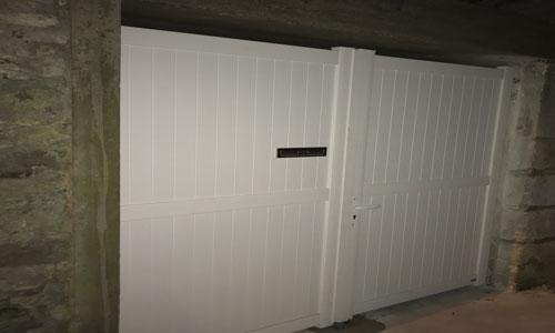 Portail avec boite lettres à clapet intégrée - Fleurines 60700