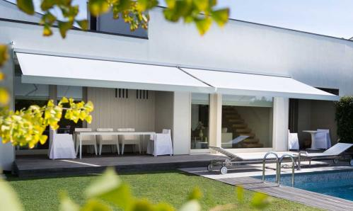 Store banne protection solaire terrasse